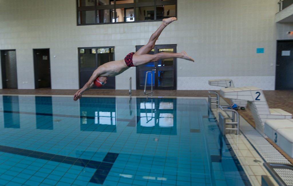 Fotoshooting N° 1 in der Schwimmhalle mit Robert Wimmer